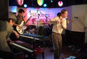 インストバンド、フジヤマウンテンのライブ写真